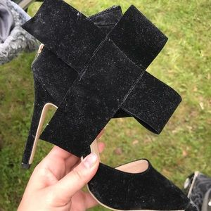 MING black bow/cross heel